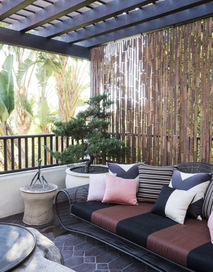 Landscaping Ideas: 10 Luxuries Worth the Splurge | Outdoor ... on Luxo Living Outdoor id=97197