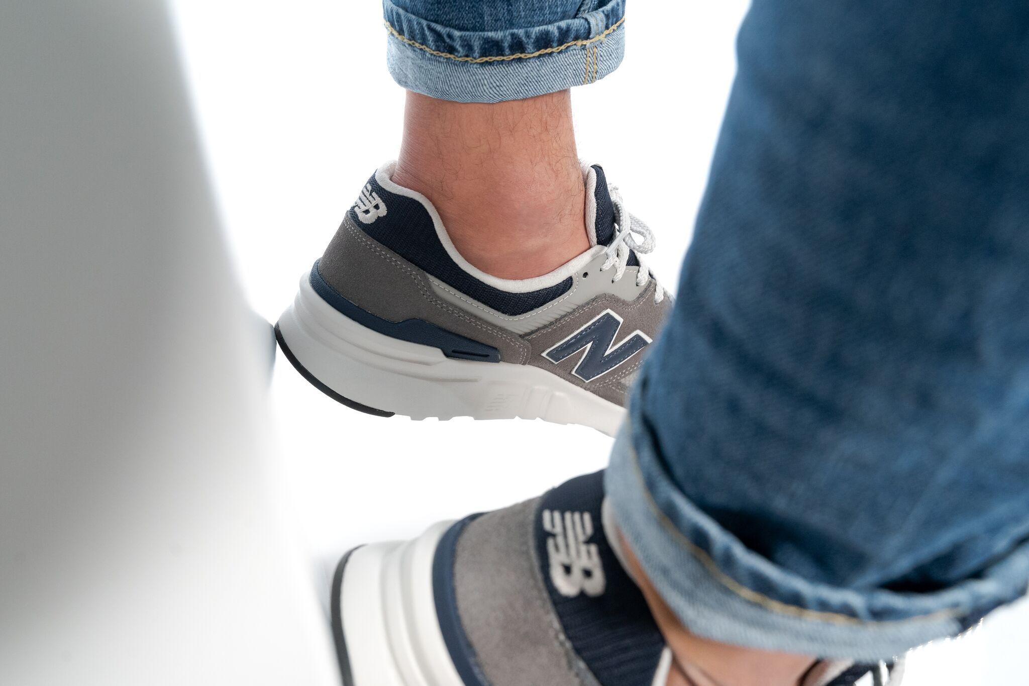 Pin auf Sneakers Herren #sneaker #schuhe #männer