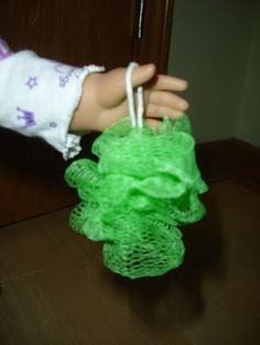 Arts and Crafts for your American Girl Doll: Mesh Shower Pouf (scrubby) for American Girl Doll #americangirlhouse