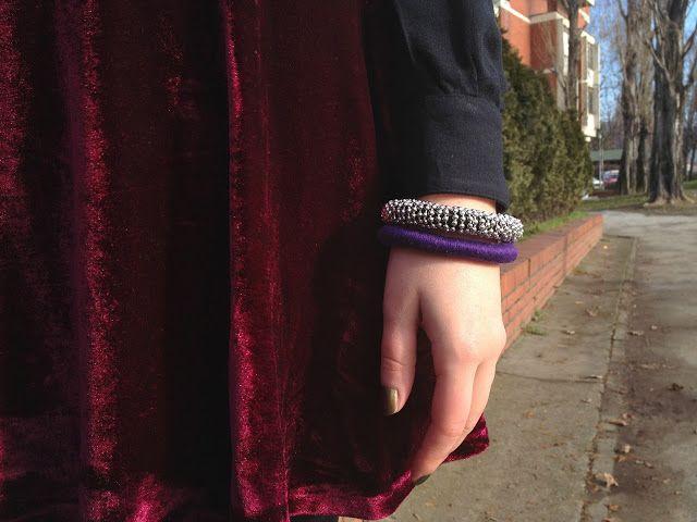 FASHION IN THE AIR: OUTFIT - Burgundy velvet skirt