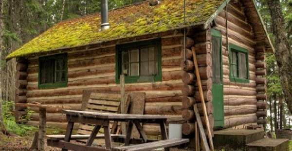 How To Build Your Own Simple Log Cabin