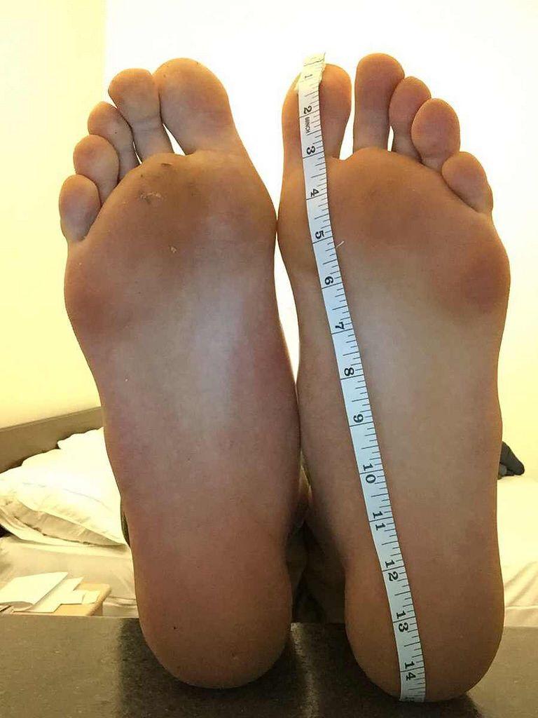SIZE 22 FEET   Womens flip flop, Feet, Flop