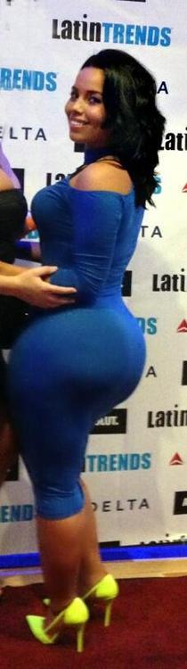 beautiful thick woman! <3