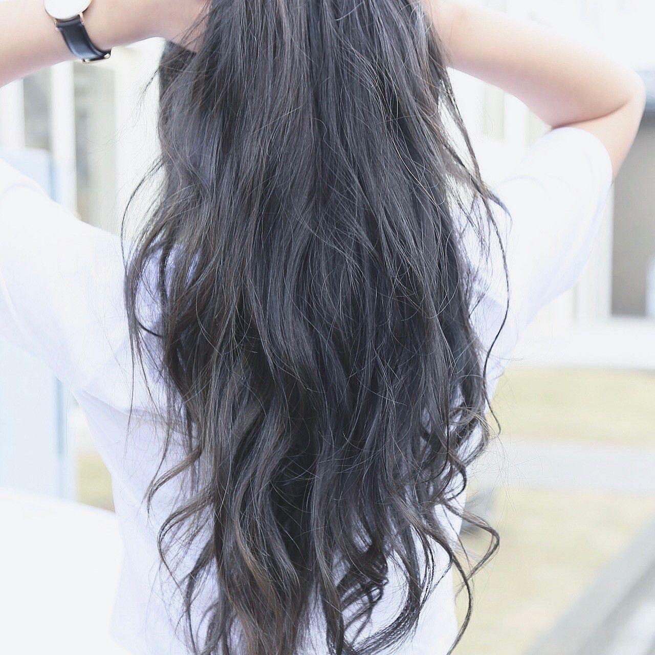 日本人の髪に合うネイビーアッシュでモテ ツヤ髪に 色落ち感もキレイ