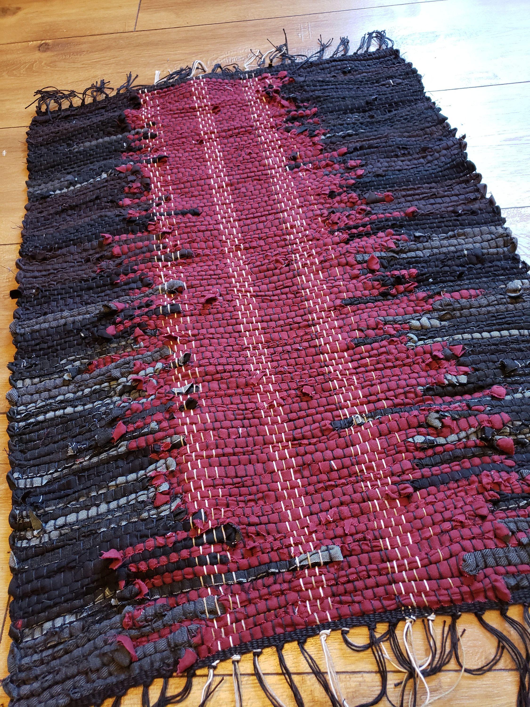 Black With Red Down The Center Handwoven Denim Rag Rug Floor Etsy In 2020 Denim Rag Rugs Rag Rug Hand Weaving