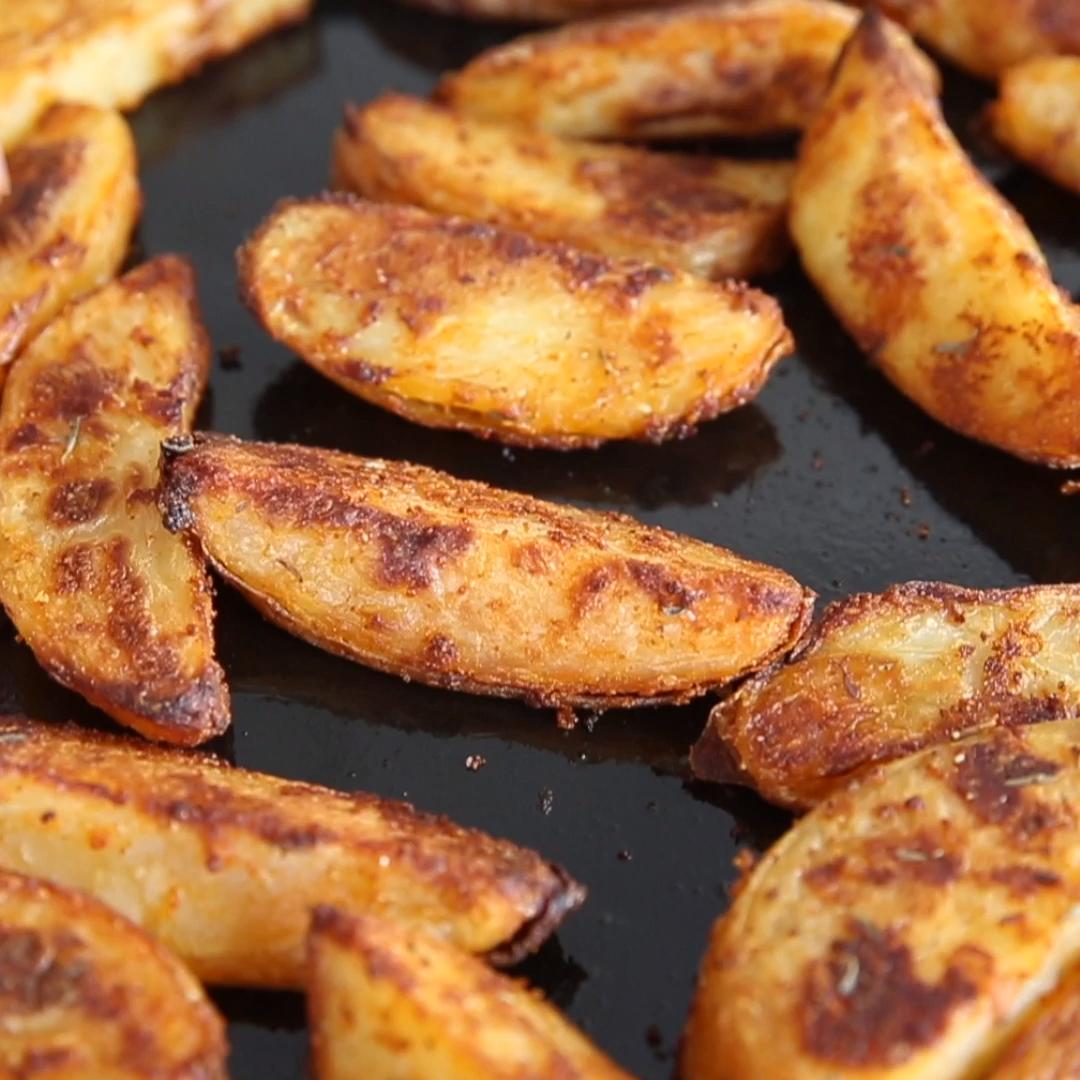 INCREDIBLE Oven Baked Potato Wedges #kartoffeleckenrezept