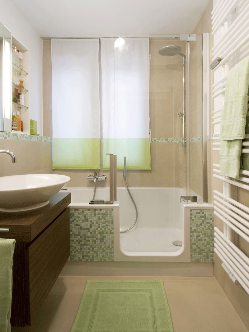 Kleine Bader Gestalten Tipps Tricks Fur S Kleine Bad Bathroom Tub Shower Combo Bathroom Design Small Bathroom Tub Shower