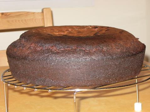 """750g vous propose la recette """"Génoise au chocolat"""" publiée par isabelPl."""