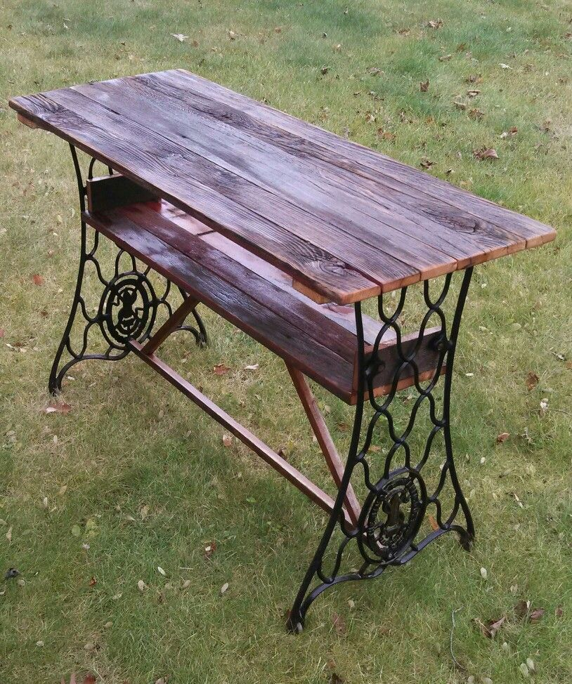 Barn Board Table I Made With Antique Sewing Machine Legs Sewing Machine Tables Sewing Machine Sewing Machine Projects