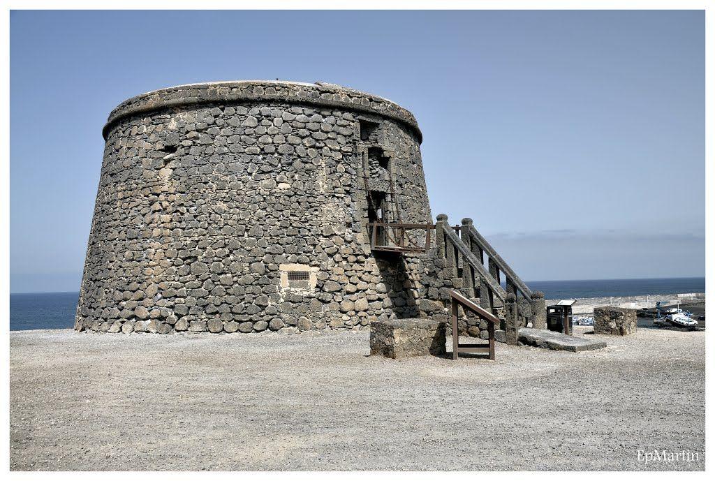 Canarias. Torre del Tostón en El Cotillo, La Oliva