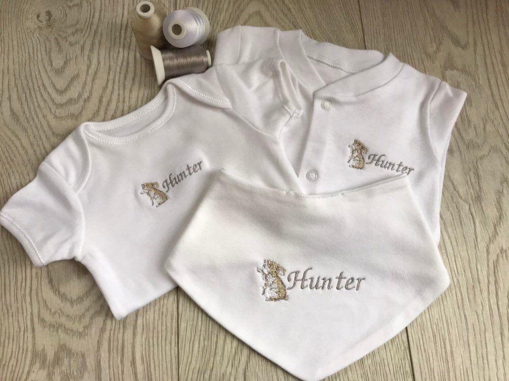 Personalised Baby Sleepsuit Vest /& Bib set