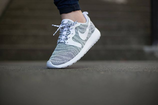 nike roshe run kjcrd id womens shoe