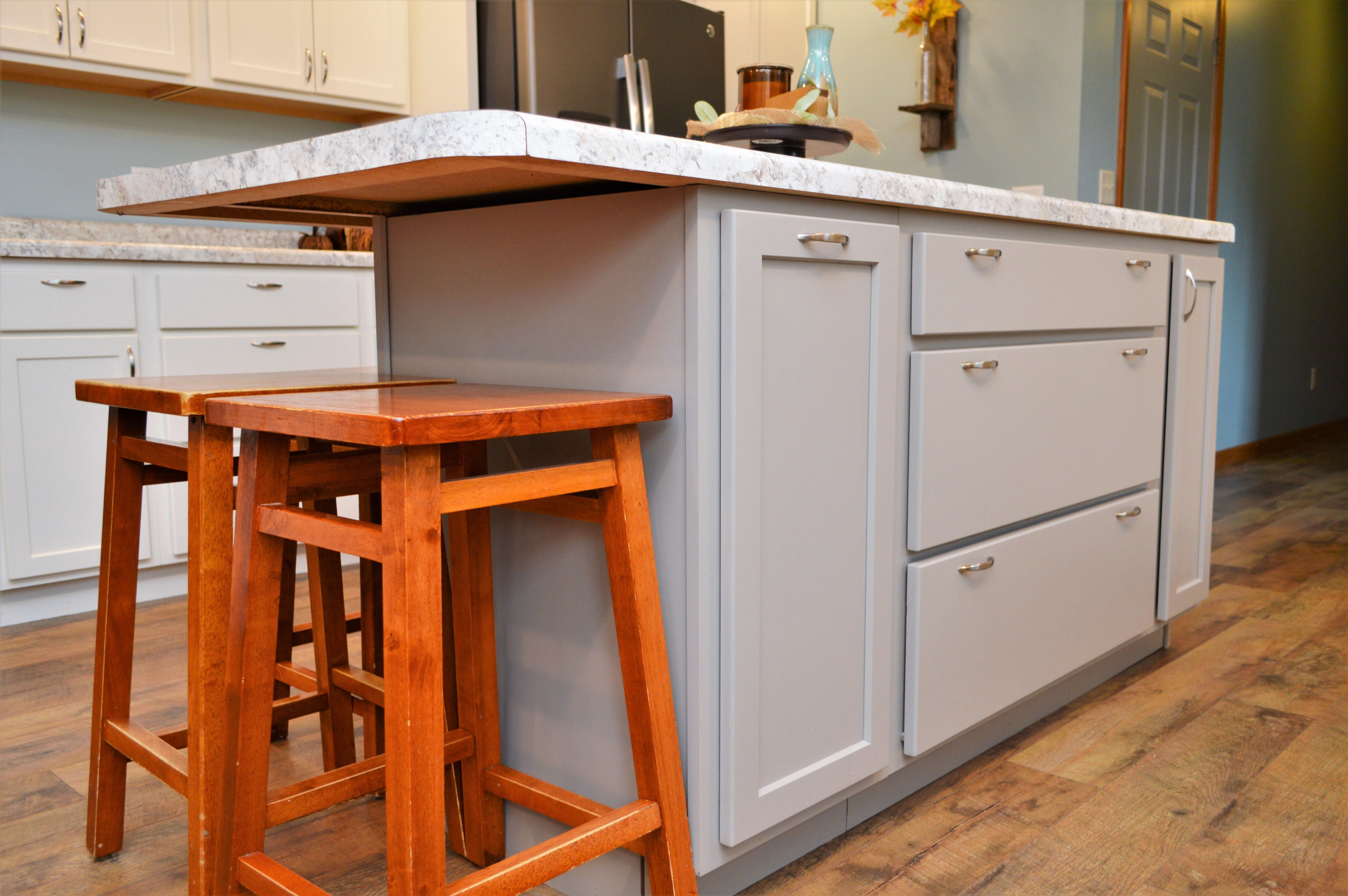 Bailey S Cabinets Haas Lifestyle Collection Maple Perfect Grey Finish Hometown Door Style Kitchen Plans Kitchen Island Kitchen Design