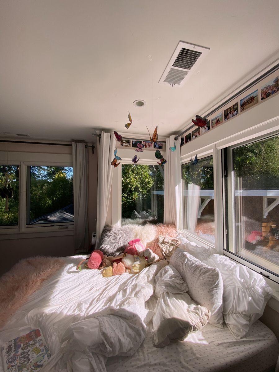 Artbuggie On Tik Tok Room Inspiration Bedroom House Rooms Dreamy Room