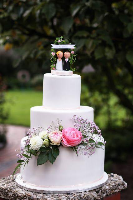 Feines Handwerk Hochzeitstorte Mit Frischen Blumen
