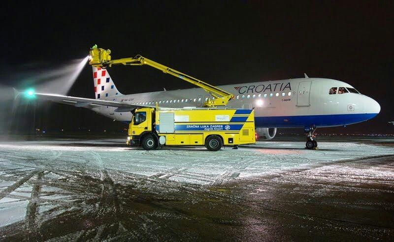 Croatia Airlines A320 Undergoing Deicing Croatia Airlines Airlines Montenegro Airlines