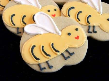 bees - Allison's school mascot is hornets. We'll be making lots of treats with bees/hornets the next four years
