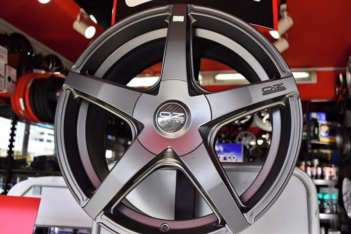 "17"" 5x120 Oz Car wheel, Crew, Car"