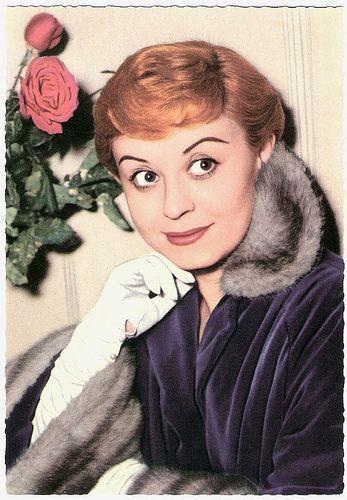 Giulietta Masina, all'anagrafe Giulia Anna Masina (San Giorgio di Piano, 22 febbraio 1921 – Roma, 23 marzo 1994), è stata un'attrice cinematografica   #TuscanyAgriturismoGiratola
