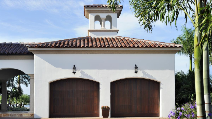 Villa Terranova A Waterfront Spanish Colonial Estate In Florida Spanish Style Home Spanish Courtyard Courtyard House