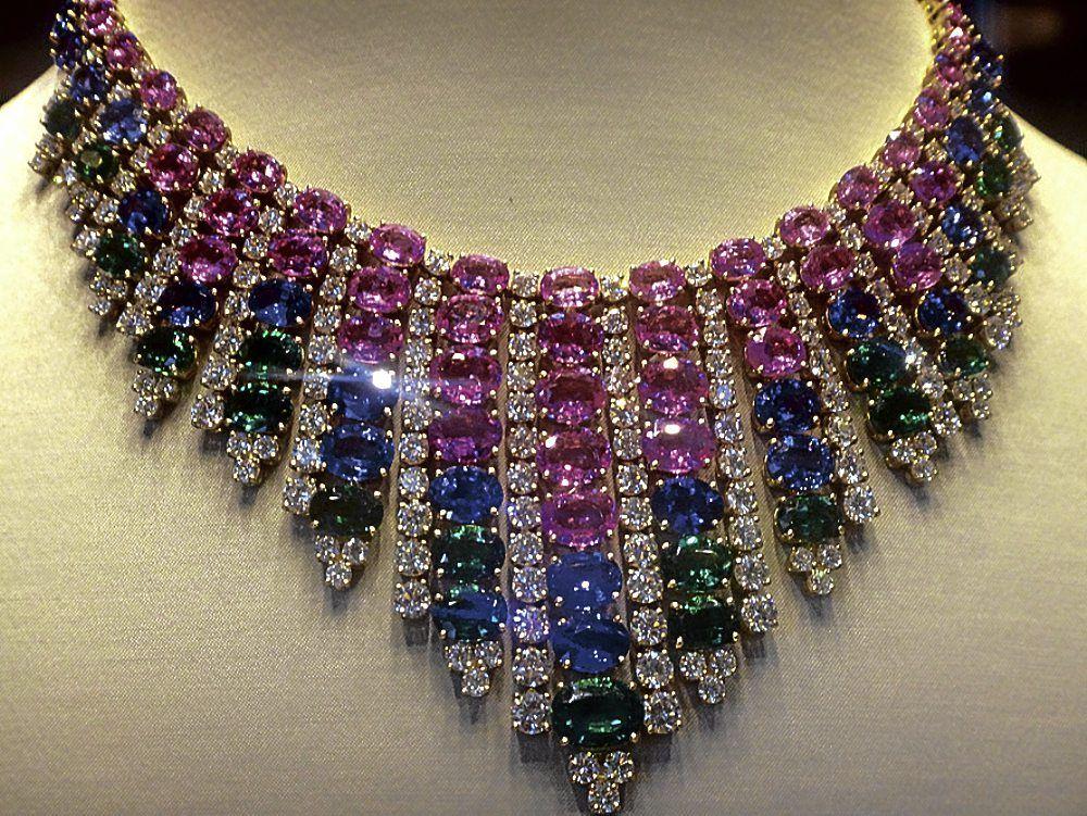 bulgari jewelry diamonds was another crowd drawer in bulgari