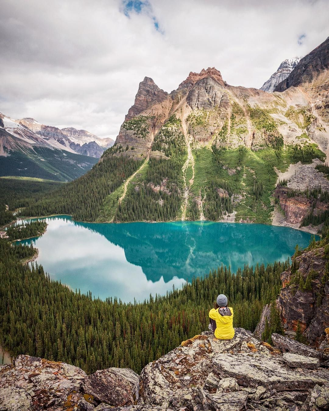 """""""Mi piace"""": 1,345, commenti: 44 - Jonathan Basiago (@jonathanbasiago) su Instagram: """"Quite possibly my favorite place in the world. Lake O'Hara blows me away like it's the first time…"""""""