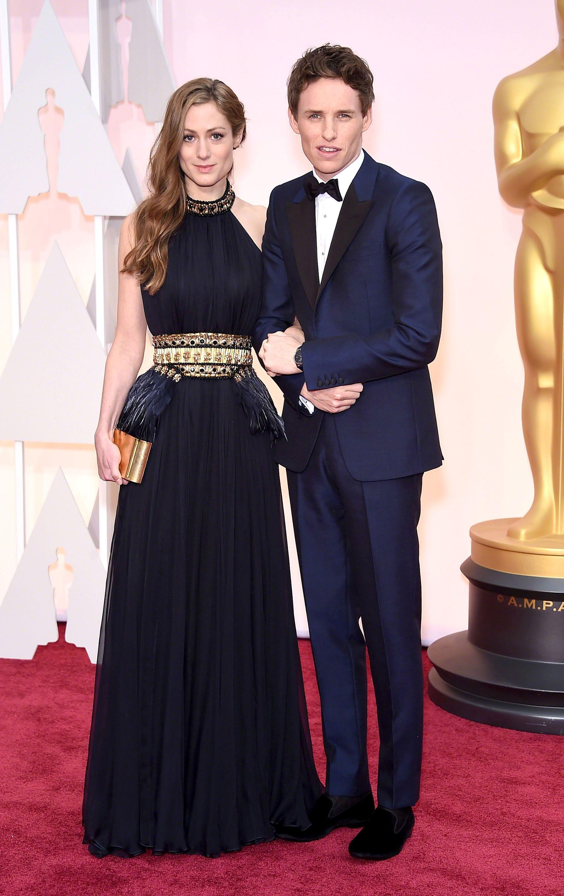 Hannah Bagshawe y Eddie Redmayne   Oscar fashion, Red carpet ...