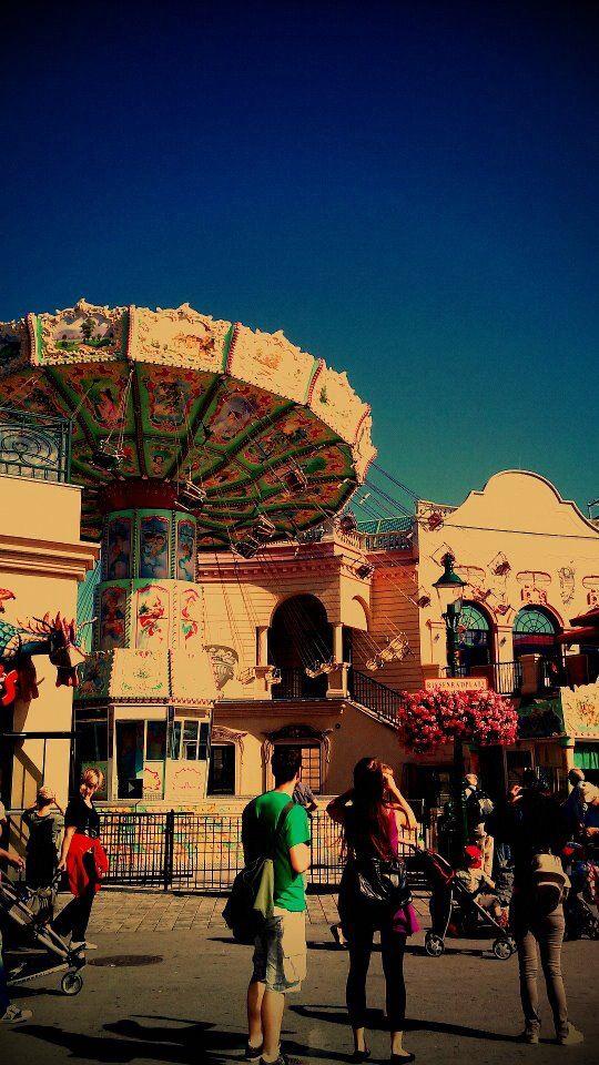 wine merry-go-round