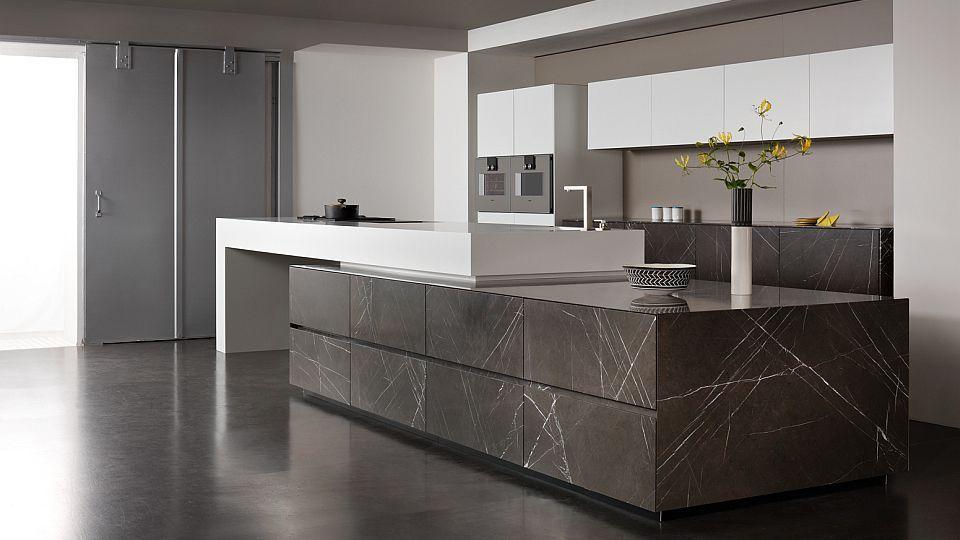 contemporary kitchen / corian® / limestone / island grafite brown, Kuchen