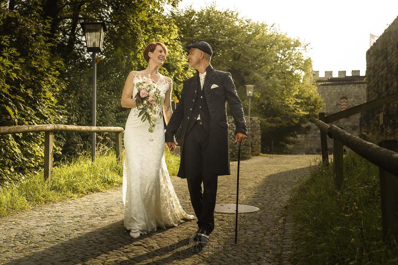 Hochzeit Und Taufe In Der Schlachtkapelle Hochzeitsfotograf Christian Meier In 2020 Hochzeitsfotograf Hochzeitskutsche Hochzeit Kutsche