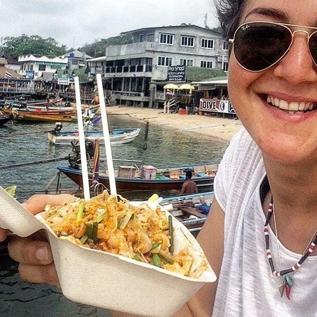 pad thai #vegetarianfood #vegetarian #thailand #travel #travelfood #peanut #lime #noodles