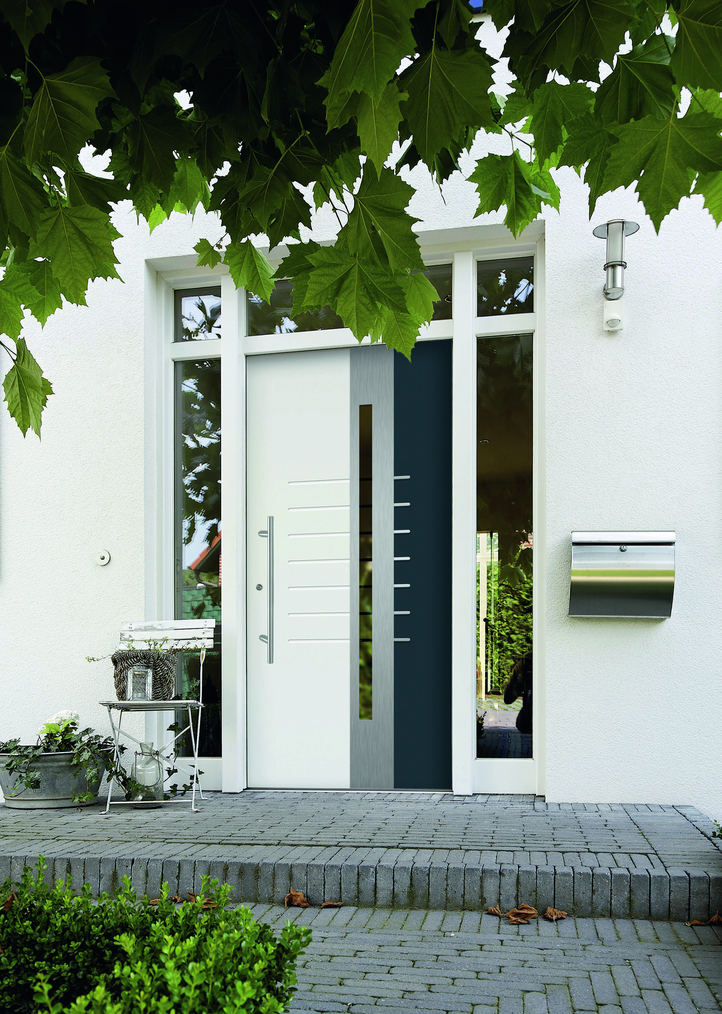 Weiße Haustüren weiße haustür mit wunderschöner deko architektur ideen