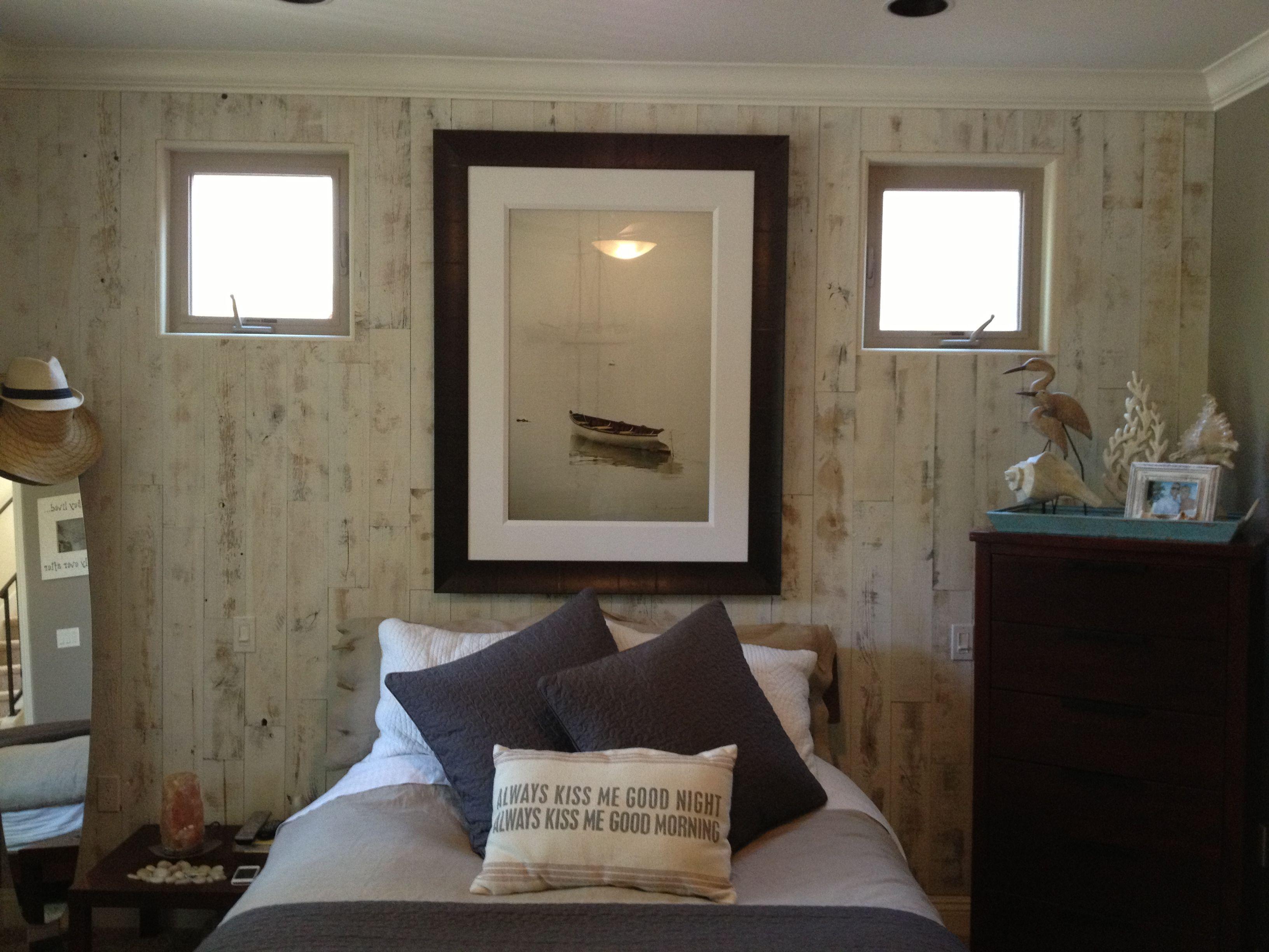 Self adhesive whitewash barnboard