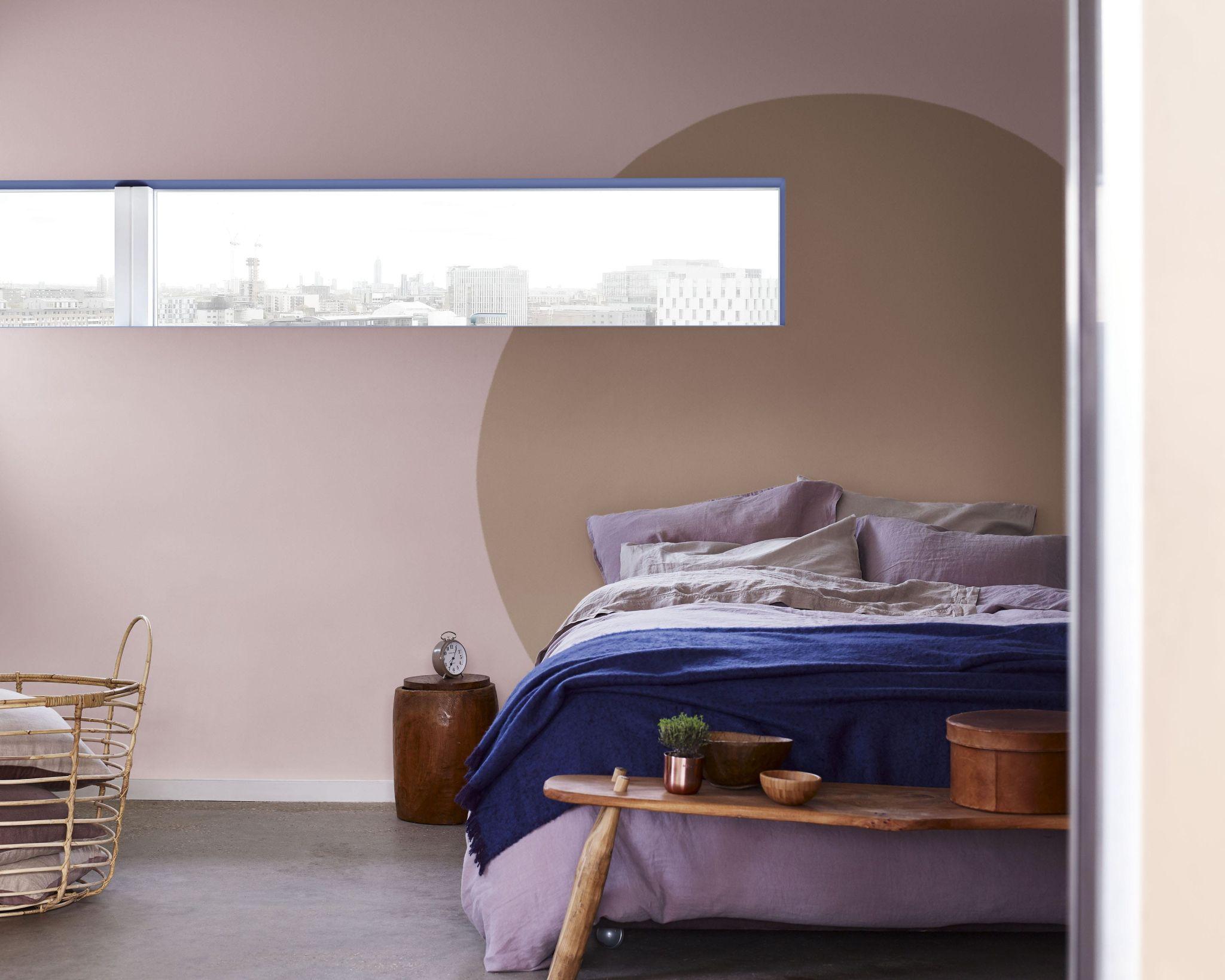 Dulux Valentine - Chambre graphique avec une tête de lit avec un ...