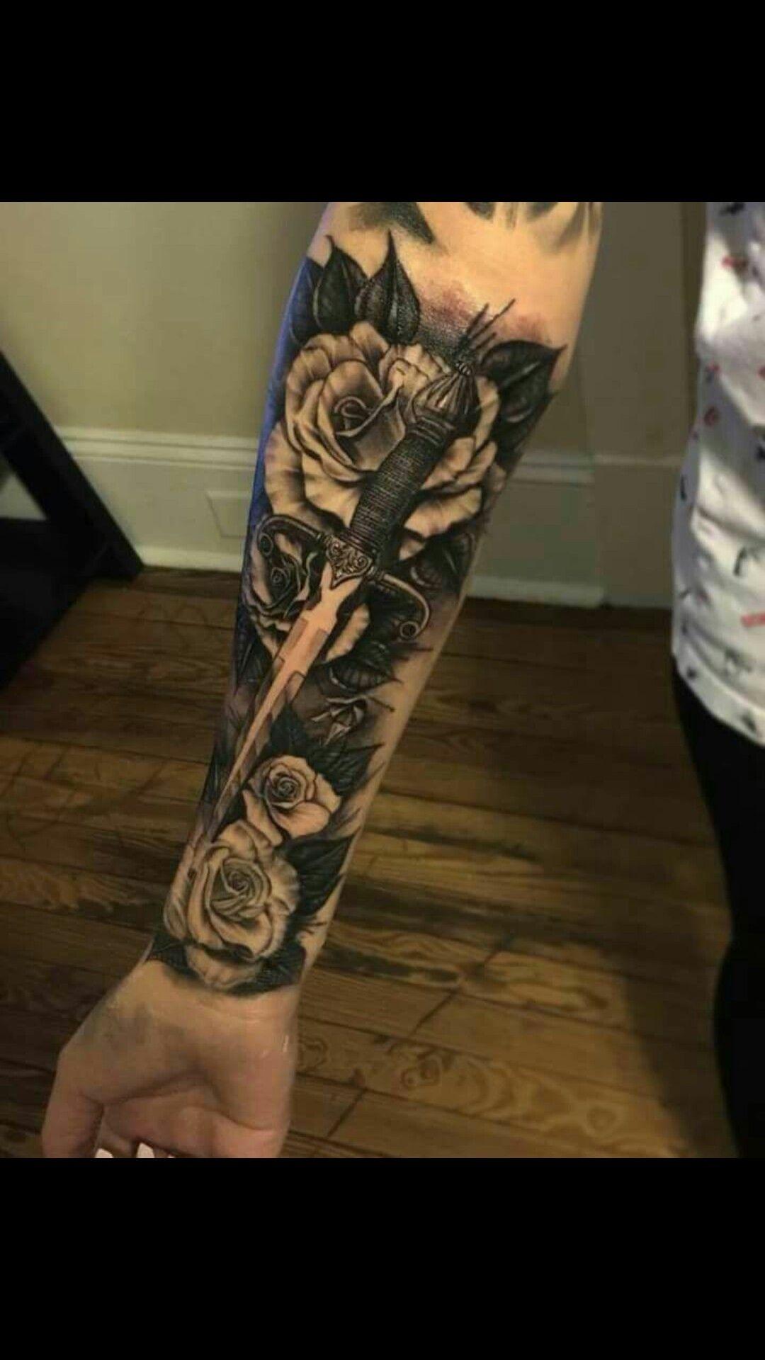 Tatuajes De Rosa Con Espachin Dagas Tattoo Tatuaje Daga Tatuaje De Cuchillo