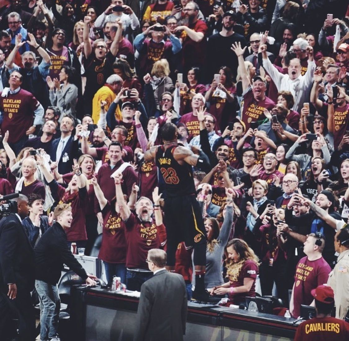 Pin By Yuri Matheus On Champions Of The Land Lebron James Lebron Cleveland Cavaliers