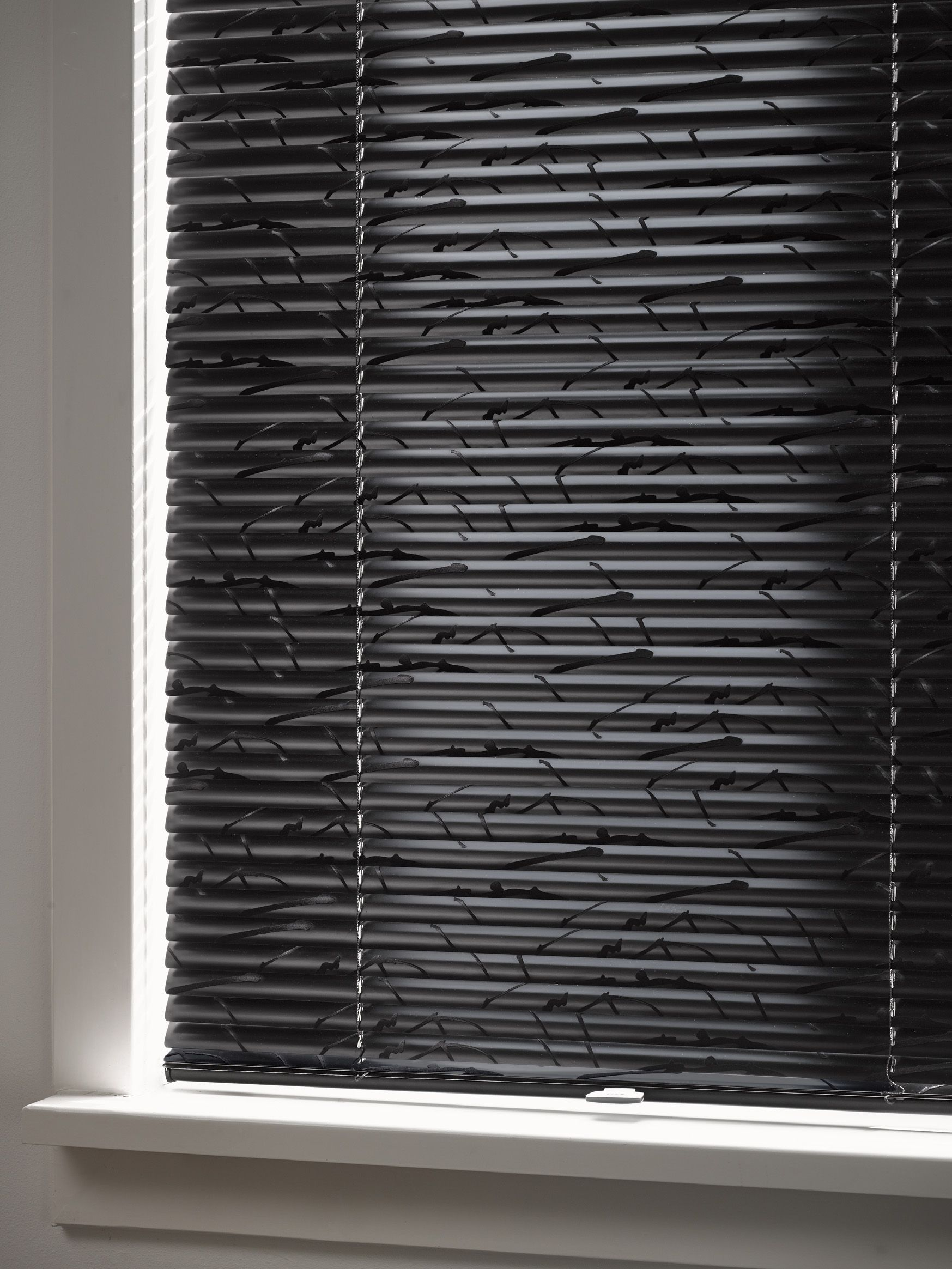 Luxaflex Jaloezie Luxaflex Venetian Blinds Create Light Control And Privacy With
