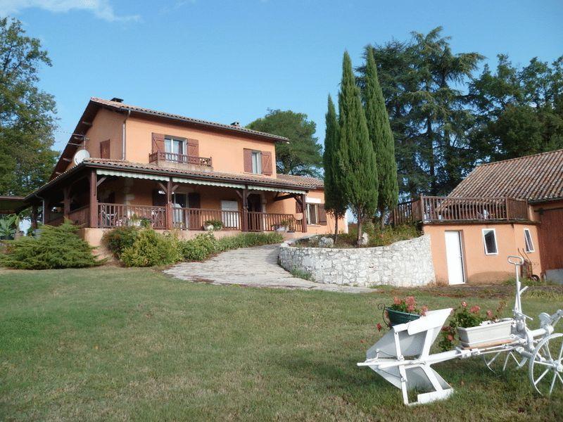 Near Eymet, Dordogne - €1,327,000