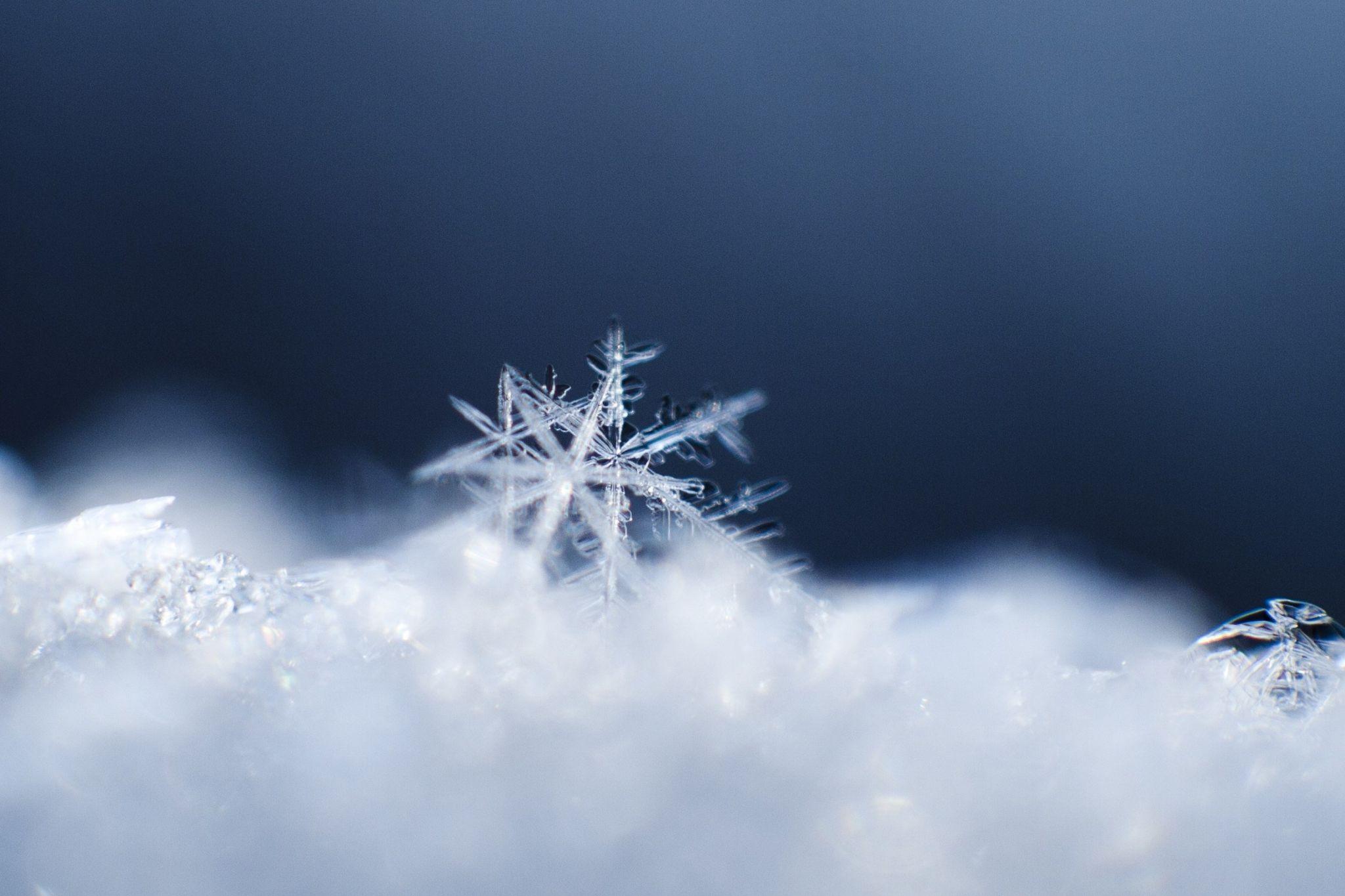 snowflake desktop wallpaper Snowflake wallpaper