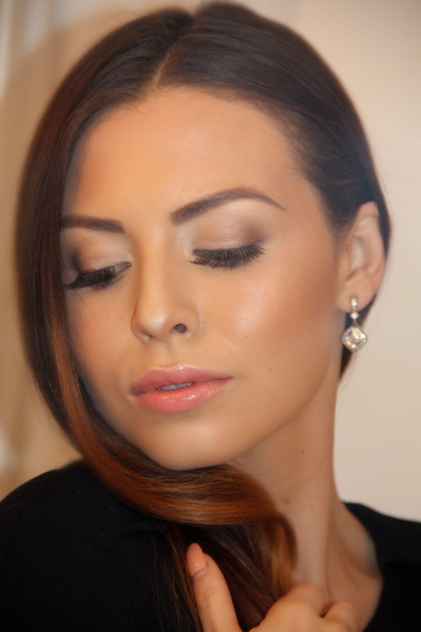 Fresh Glowing Makeup Look