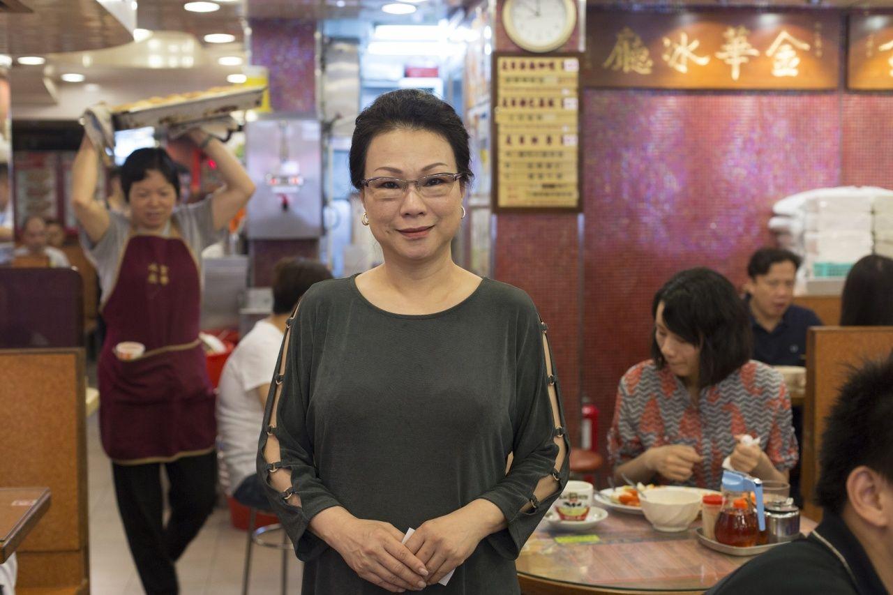 金華冰室老闆娘陳太指蛋撻是文化交融的結晶。(吳鍾坤攝)