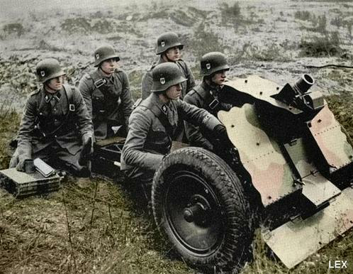 Image result for ww2 german  7.5cm Leichtes 18 infantry support gun