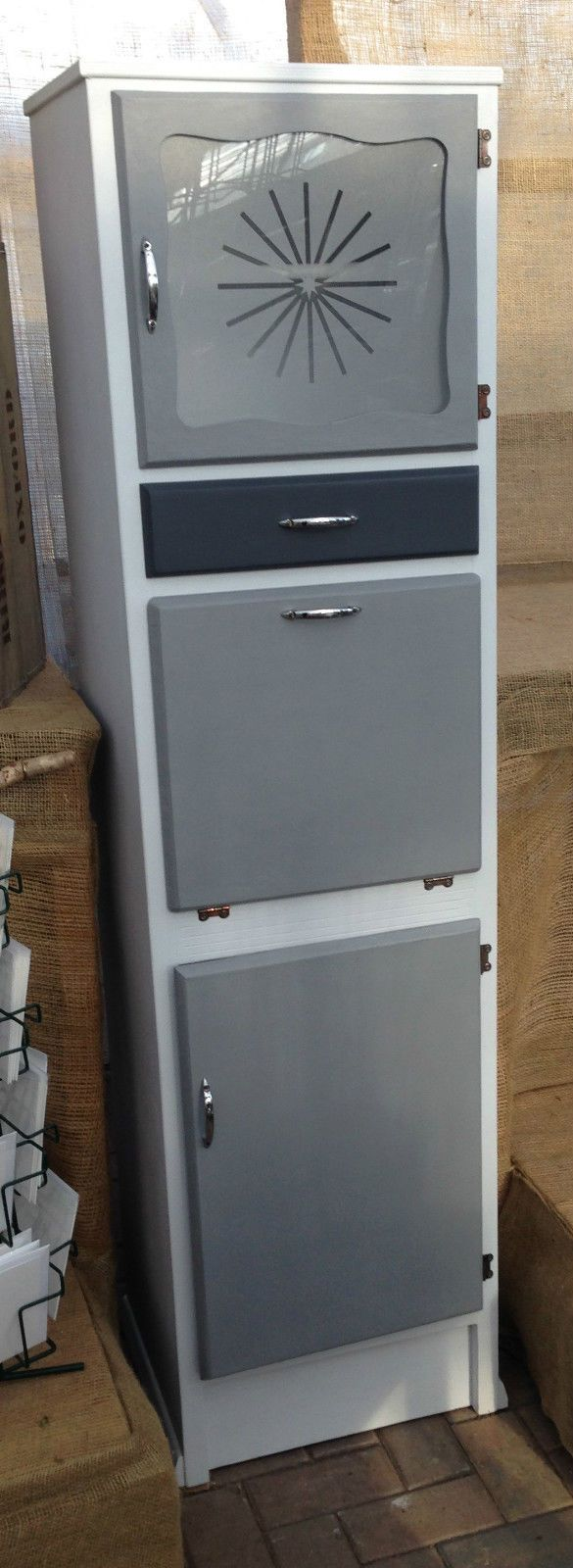 Fabulous Retro 1950's/60's Vintage Kitchen Cupboard