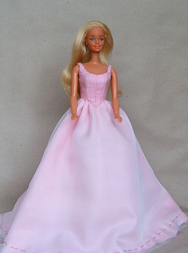 DOLLS for joy and pleasure - gallery - free Barbie sewing patterns ...