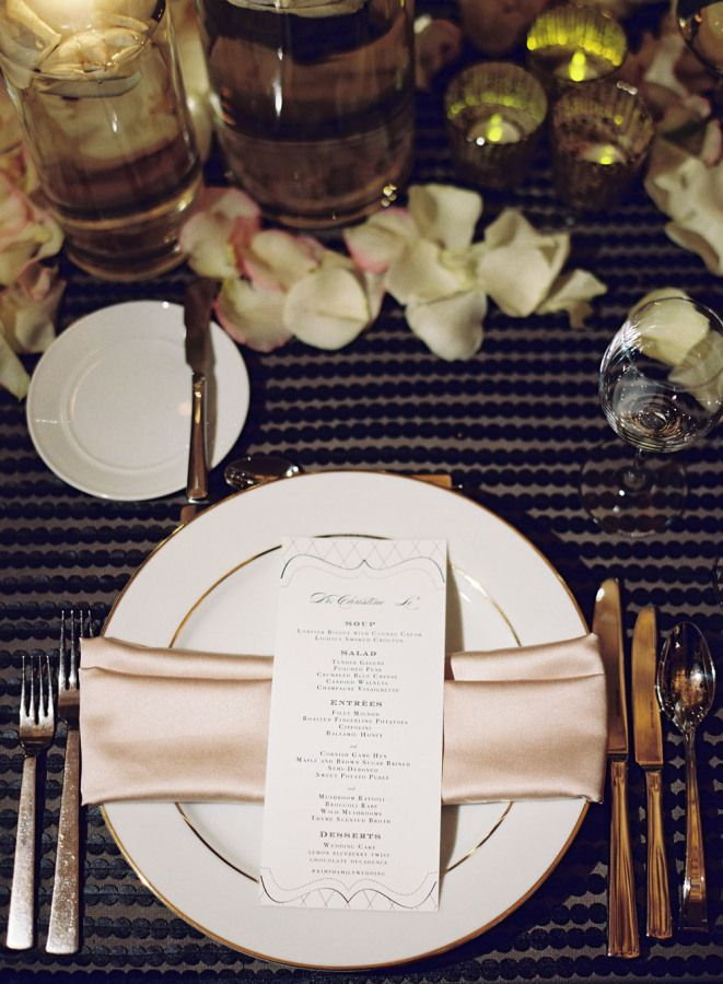 Blush gold and black Wedding place setting | fabmood.com