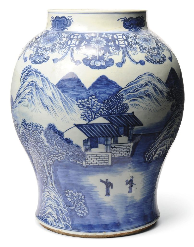 A LARGE CHINESE BLUE AND WHITE BALUSTER JAR - 18TH CENTURY