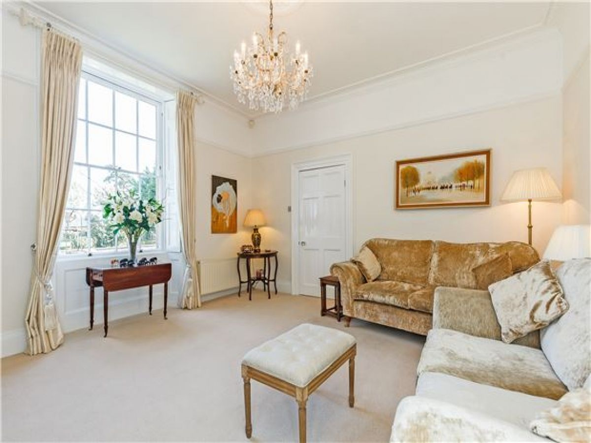 A Living Room Fit For A Queen See More Properties On Ezylet Com Luxury Living Room Luxury Living Living Room