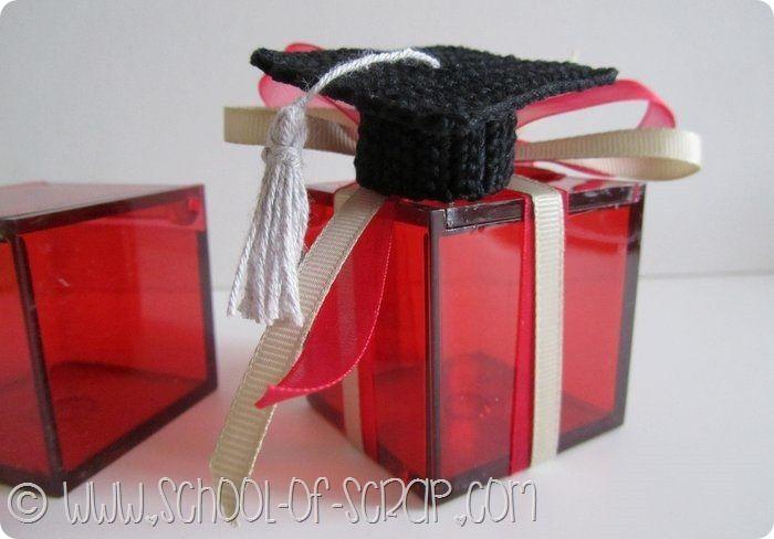 bomboniera con il tocco di laurea all uncinetto e altre idee con scatoline  di plexiglass 8c1dca862b11