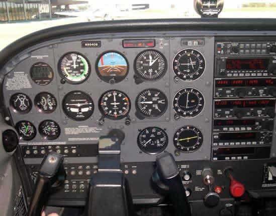 Cessna 172 SP Instrument Panel | Darrplanes | Cessna 172, Cessna 150