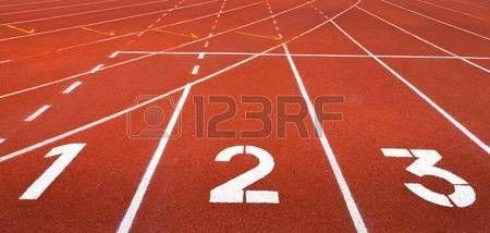 Pista De Atletismo Inicio De Pista Carriles 1 2 3 De Una Pista De Carreras De Rojo Pista De Atletismo Pistas De Carrera Atletismo